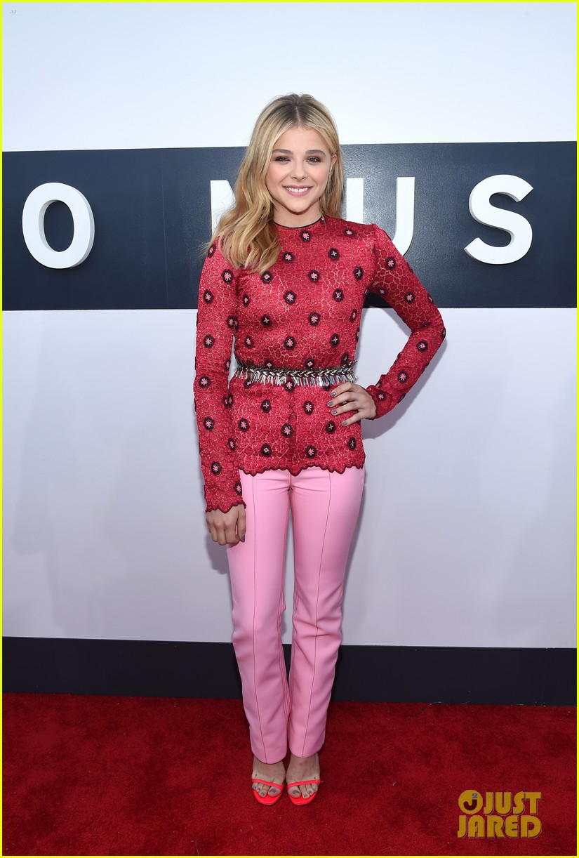 chloe moretz long sleeves mtv vmas 053182427