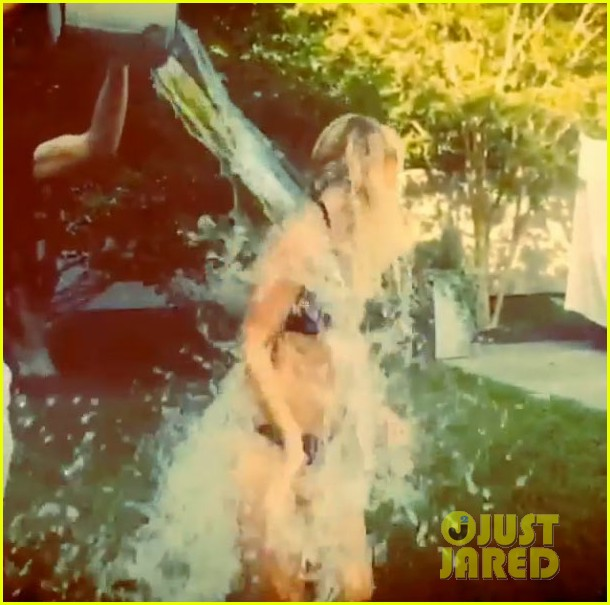 gwyneth paltrow ice bucket challenge bikini 043179826