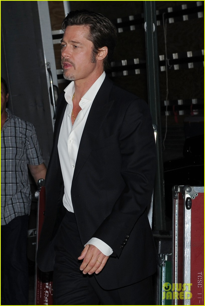 brad pitt suits up shows off wedding ring 063186896