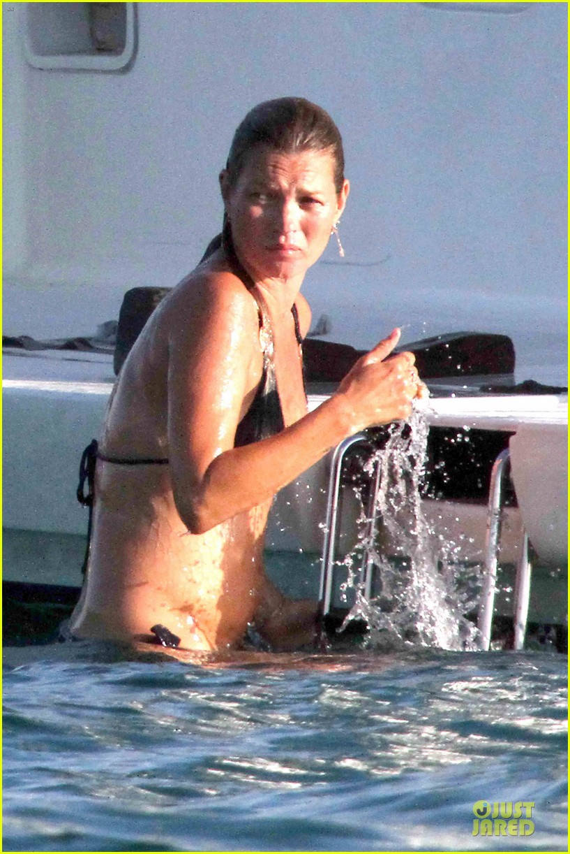 behati prinsloo kate moss complete ice bucket challenge 023181534