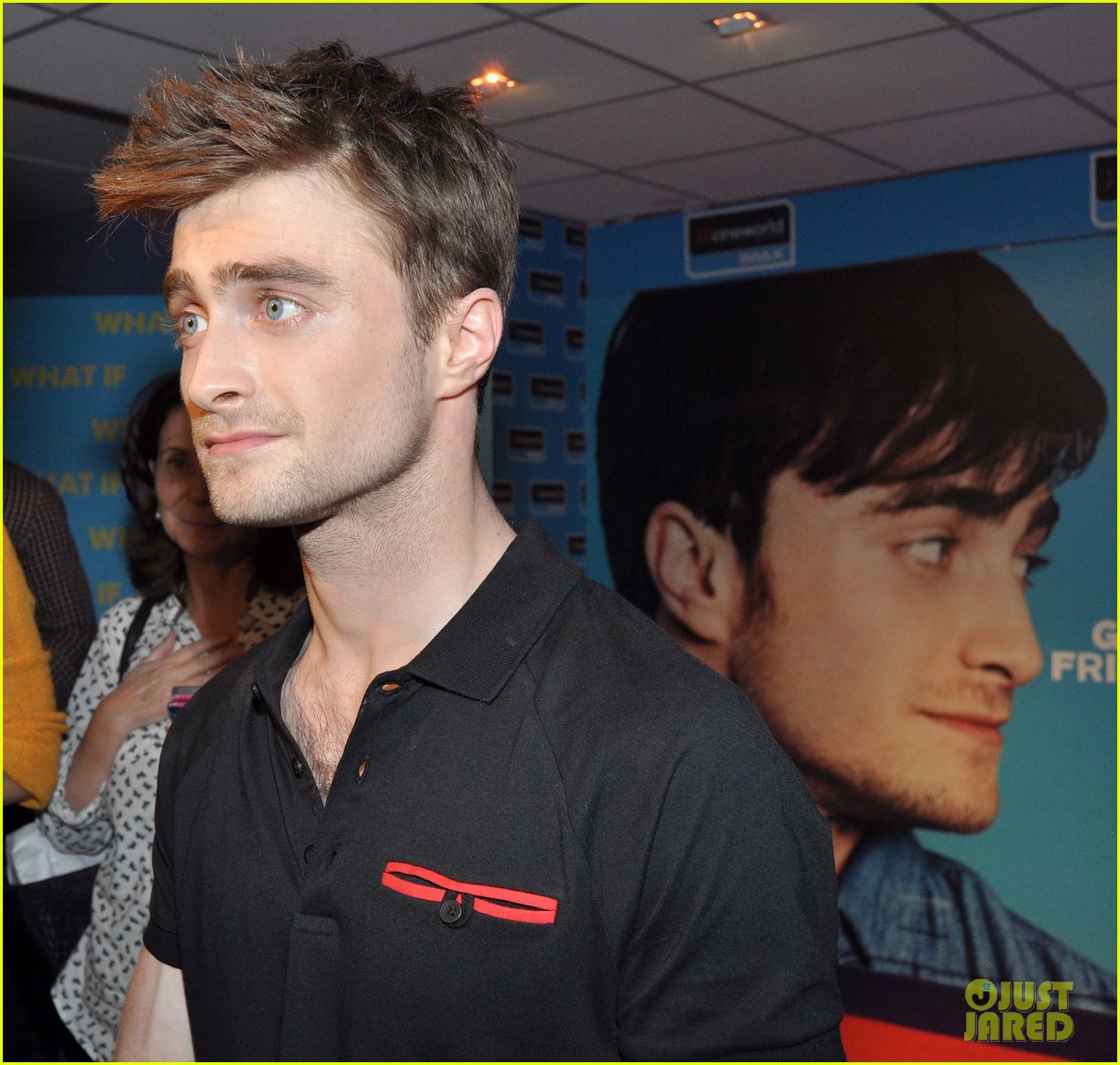 daniel radcliffe pose with fans what if dublin ireland 25