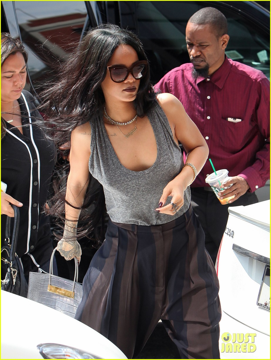 rihanna goes braless in new york city 063179696
