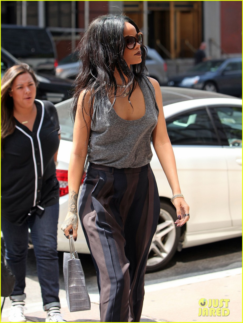 rihanna goes braless in new york city 093179699
