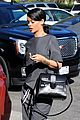rihanna takes monster tour break to grab lunch 09
