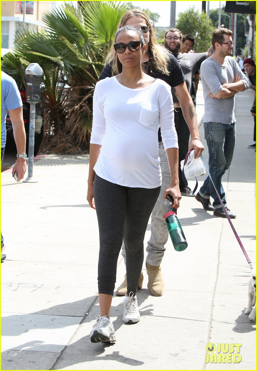 zoe saldana preps for baby at moms the word 053183882