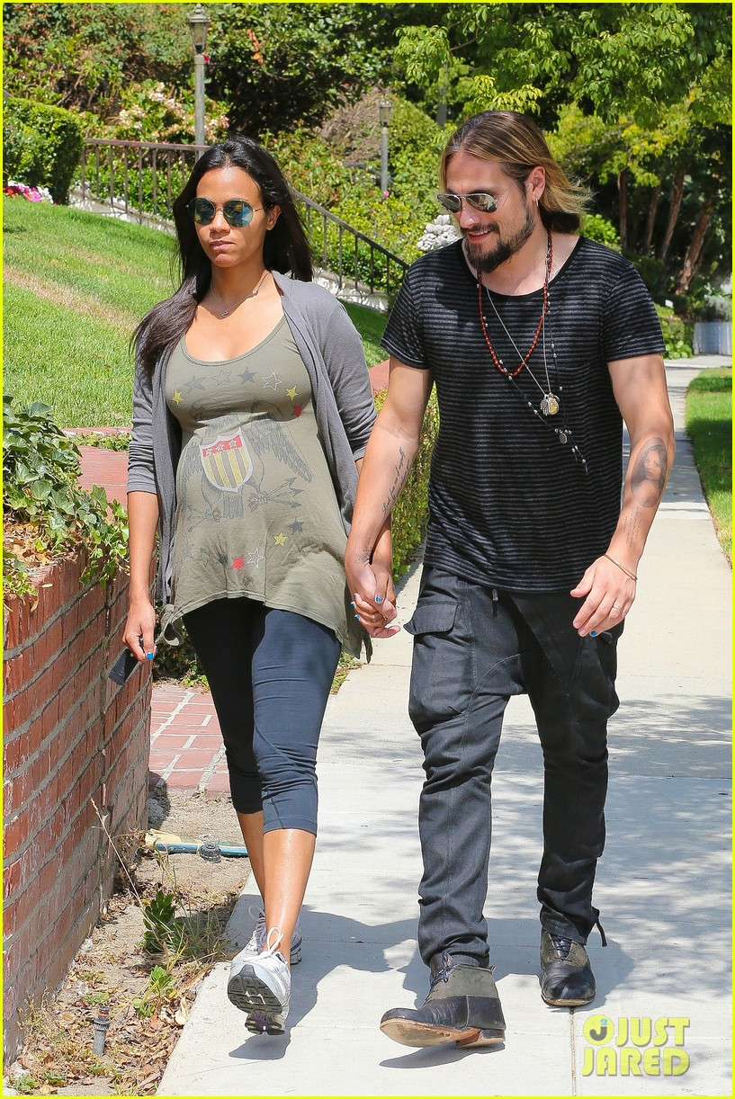 zoe saldana hubby marco perego step out for sunny stroll after taking on the ice 08