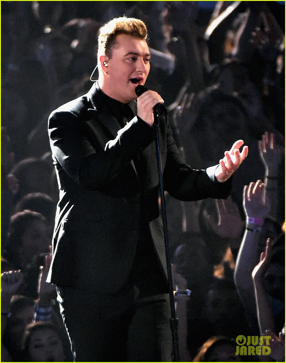 sam smith belts out stay with me at mtv vmas 2014 013182515