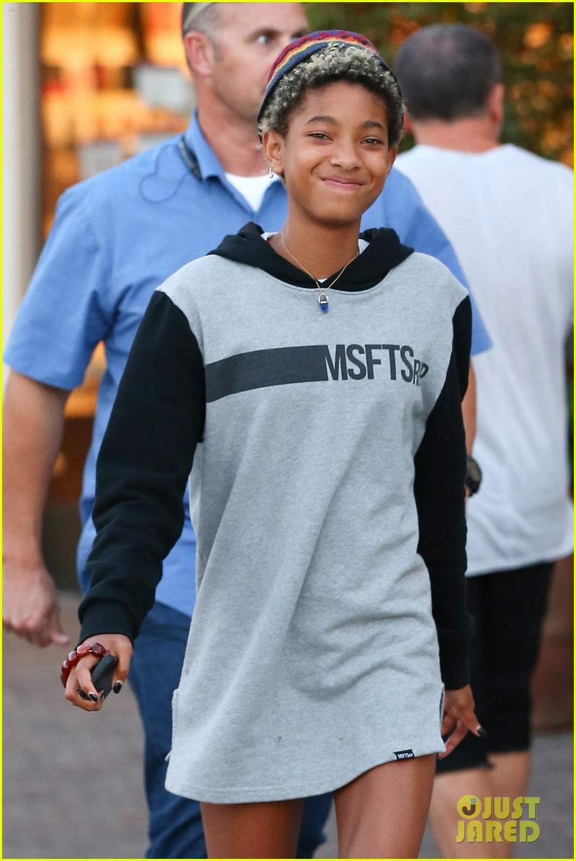 willow smith reps jadens clothing line 02