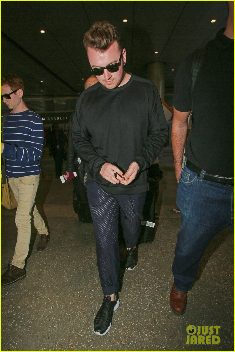 sam smith lands in los angeles for vmas performance 05