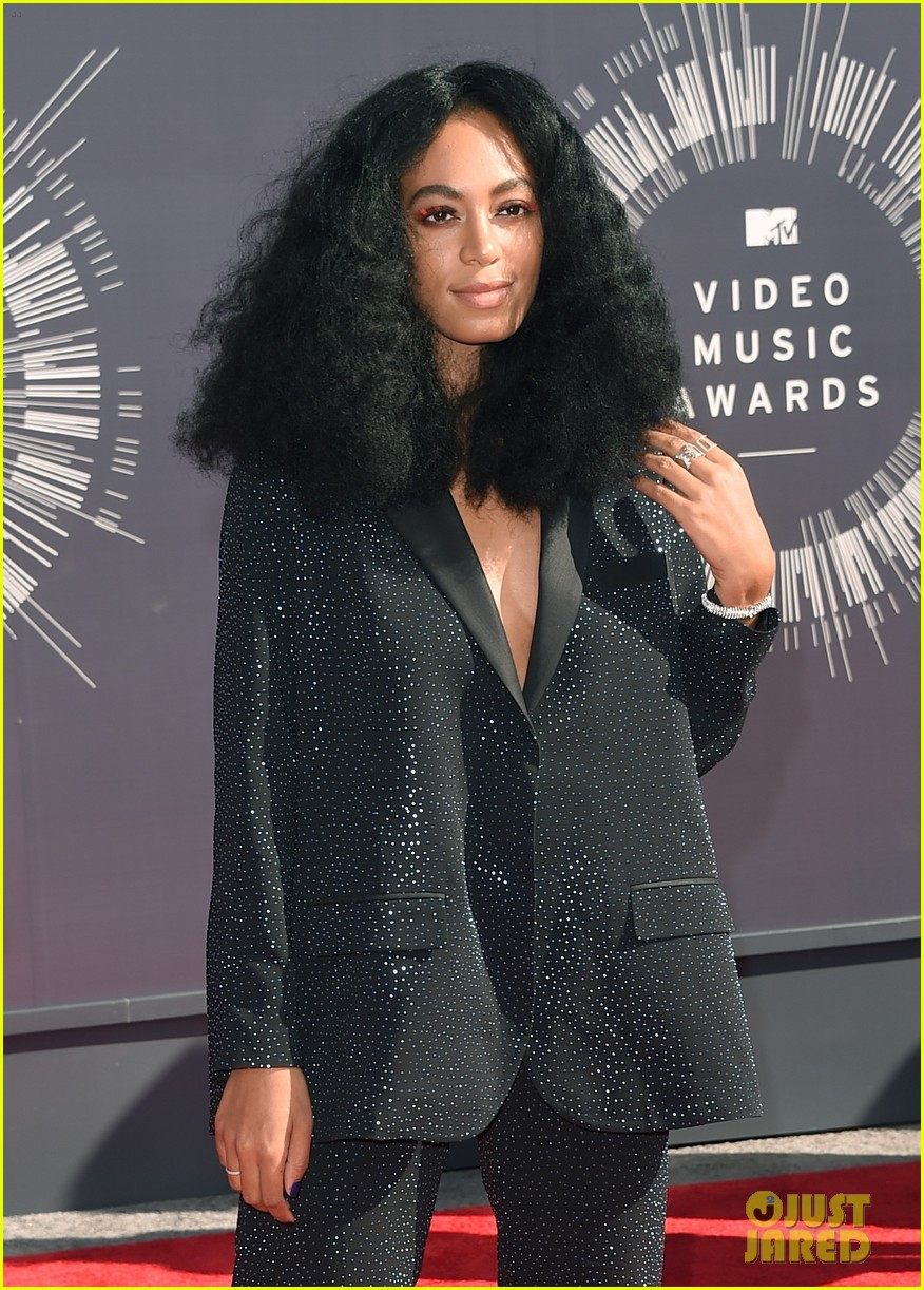 solange knowles supports beyonce at mtv vmas 2014 023182301