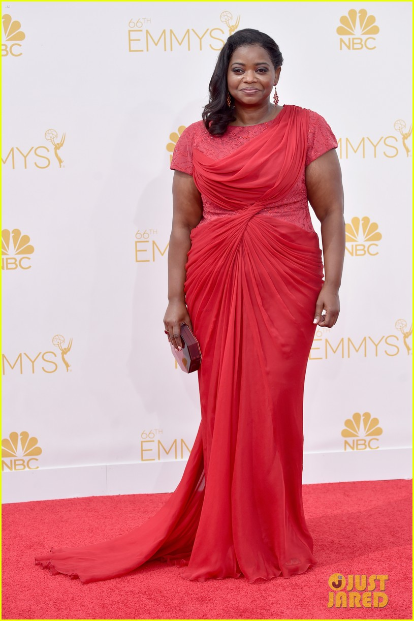 octavia spencer emmy awards red carpet 05