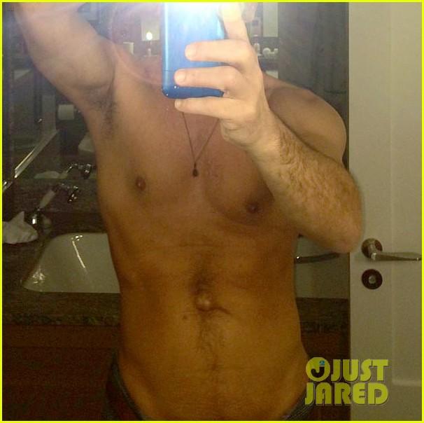 john stamos shirtless selfie