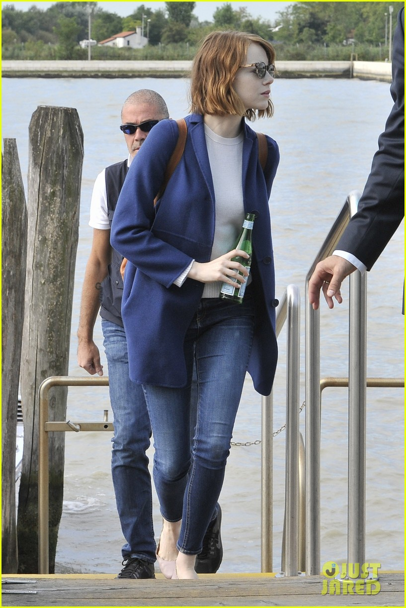 emma stone andrew garfield leave venice after film festival 01