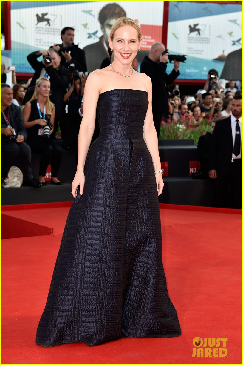 emma stone low cut dress for birdman venice premiere 063184846