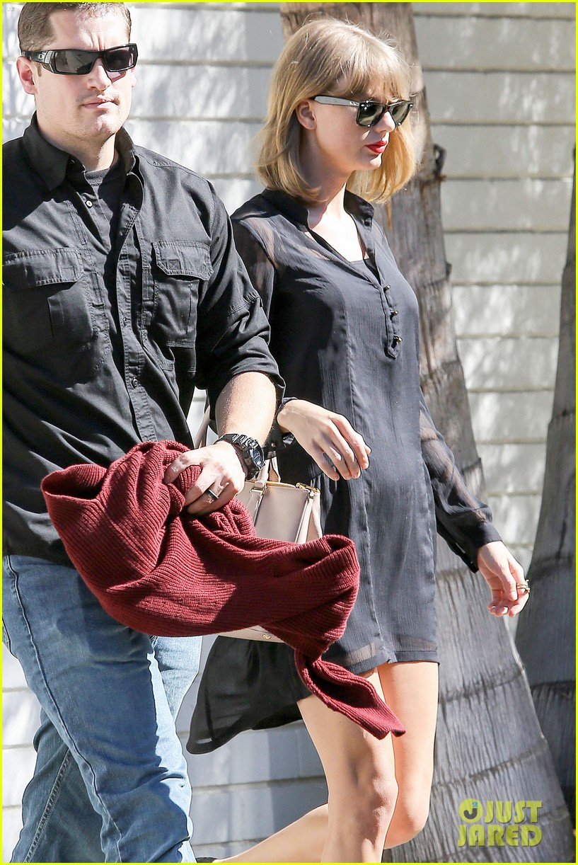 taylor swift steps out after near run in with john mayer 04
