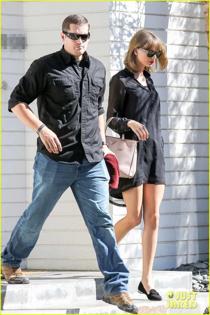 taylor swift steps out after near run in with john mayer 09