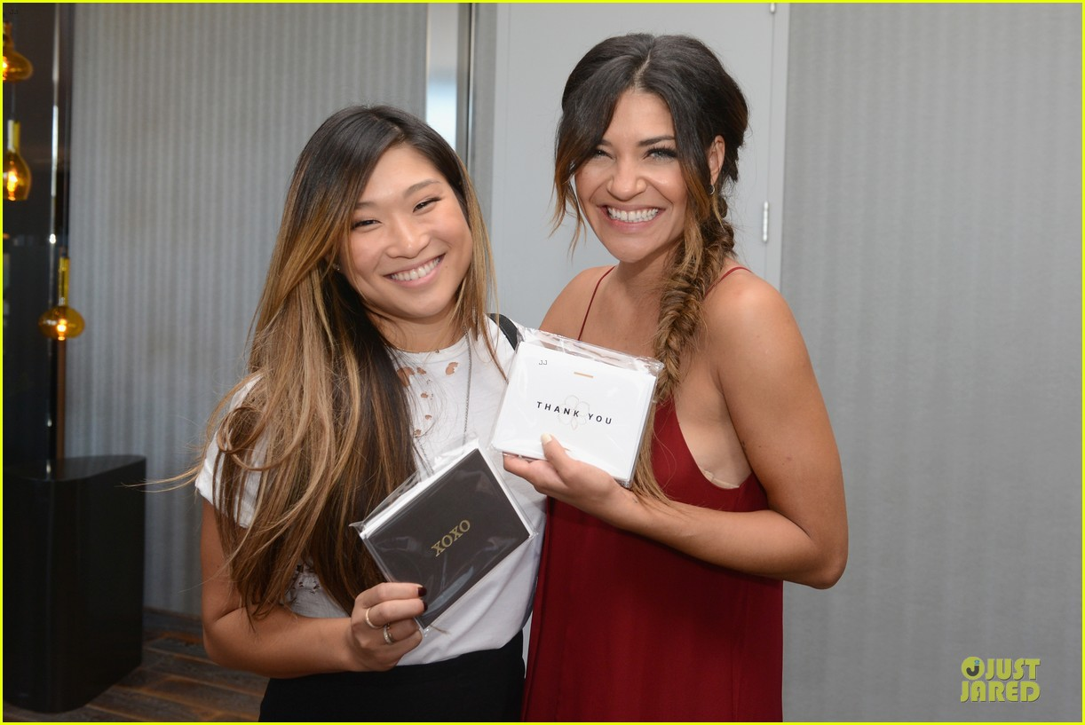 jessica szohr jenna ushkowitz meet up at kari feinstein lounge 093181962