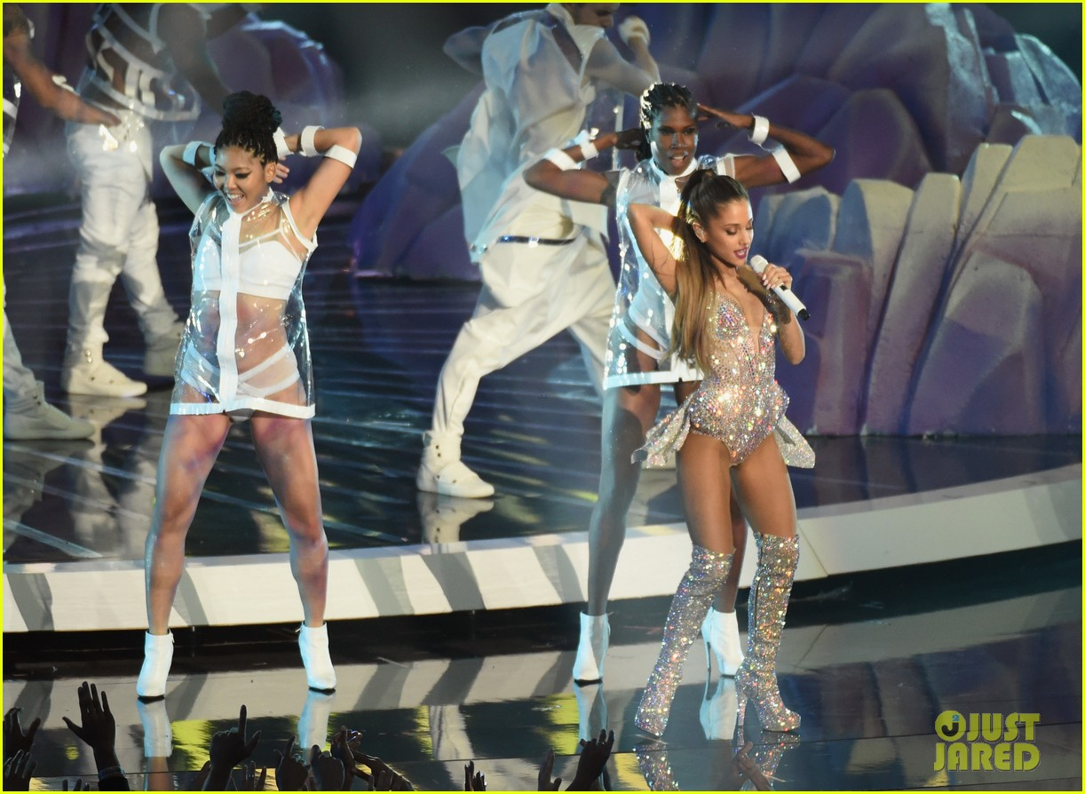 mtv vmas opening performance 15