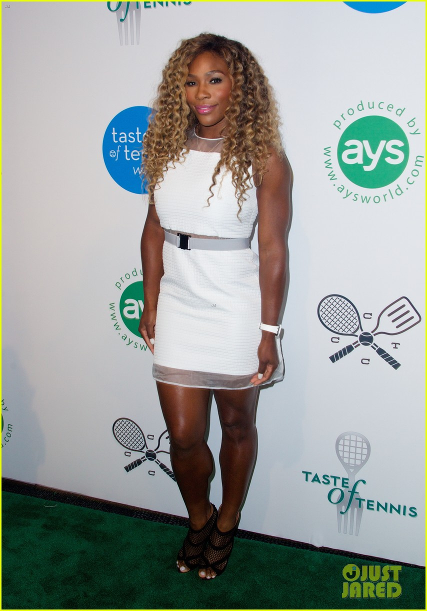 serena williams cooks up a storm at the taste of tennis gala 2014 09