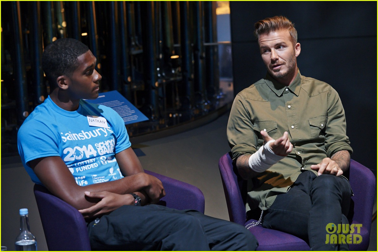 david beckham wears cast on his arm after motorcycle accident 073187909