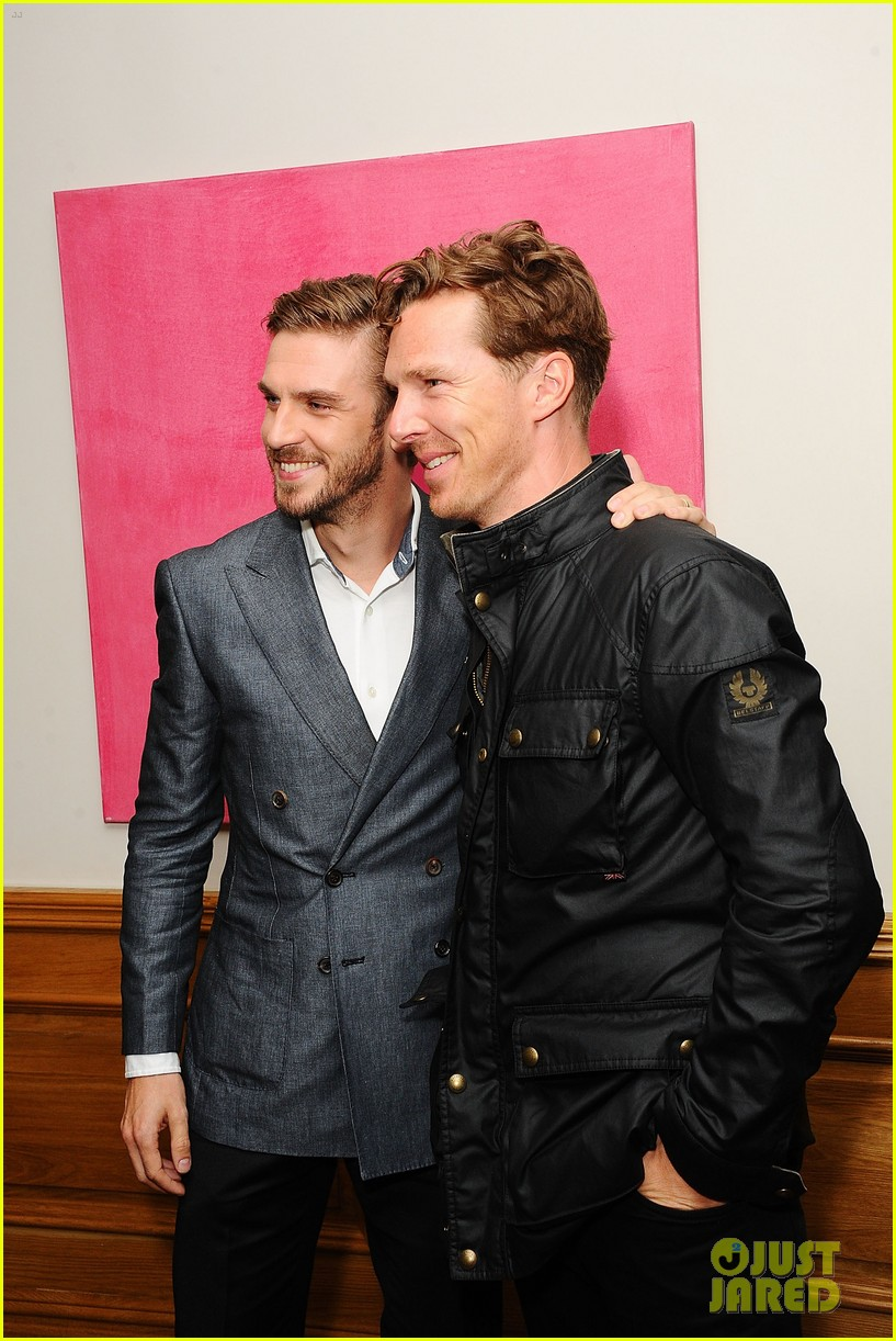 benedict cumberbatch supports dan stevens at the guest screening 013187543
