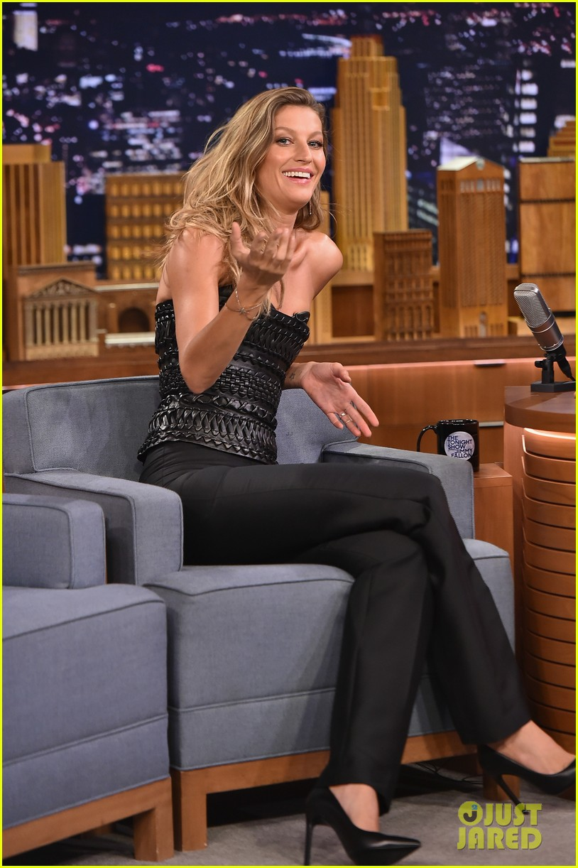gisele bundchen shows off epic dance movies for fallon 063189562