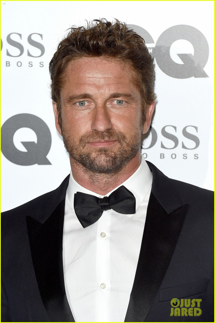 gerard butler makes hugo boss look so good at gq men awards 06