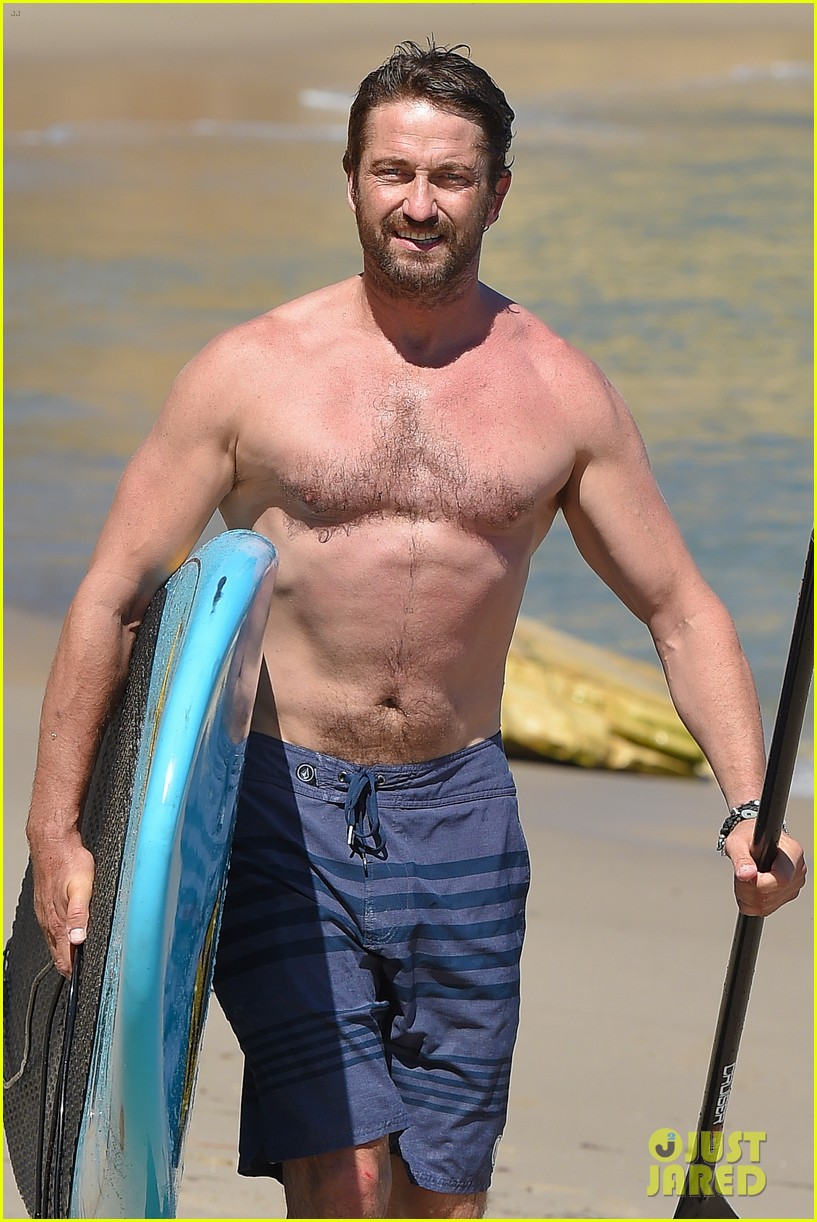 Gerard Butler Makes Out with His Mystery Girlfriend on the ...