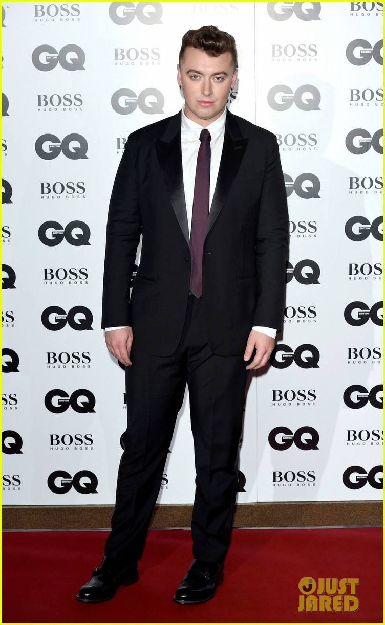 johnny depp presents gq men of the year awards 2014 03