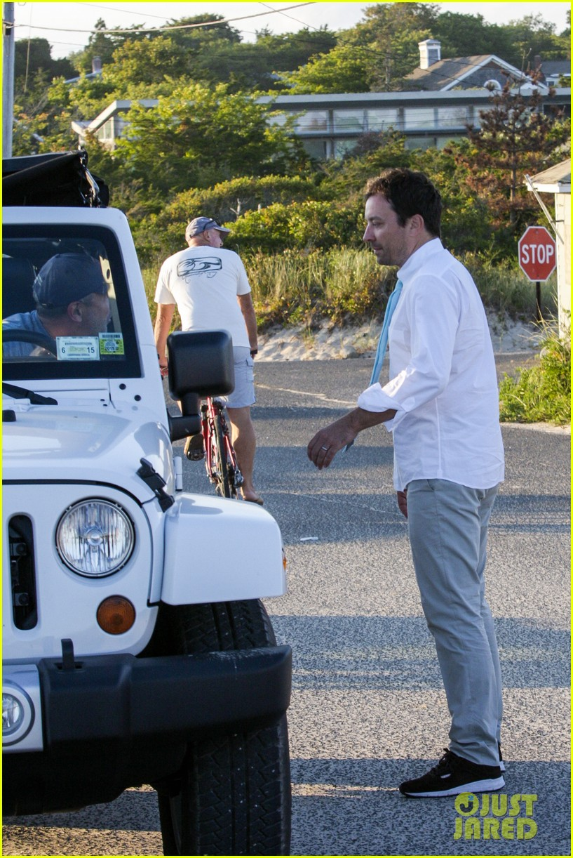 drew barrymore jimmy fallon hang in the hamptons on labor day weekend 20