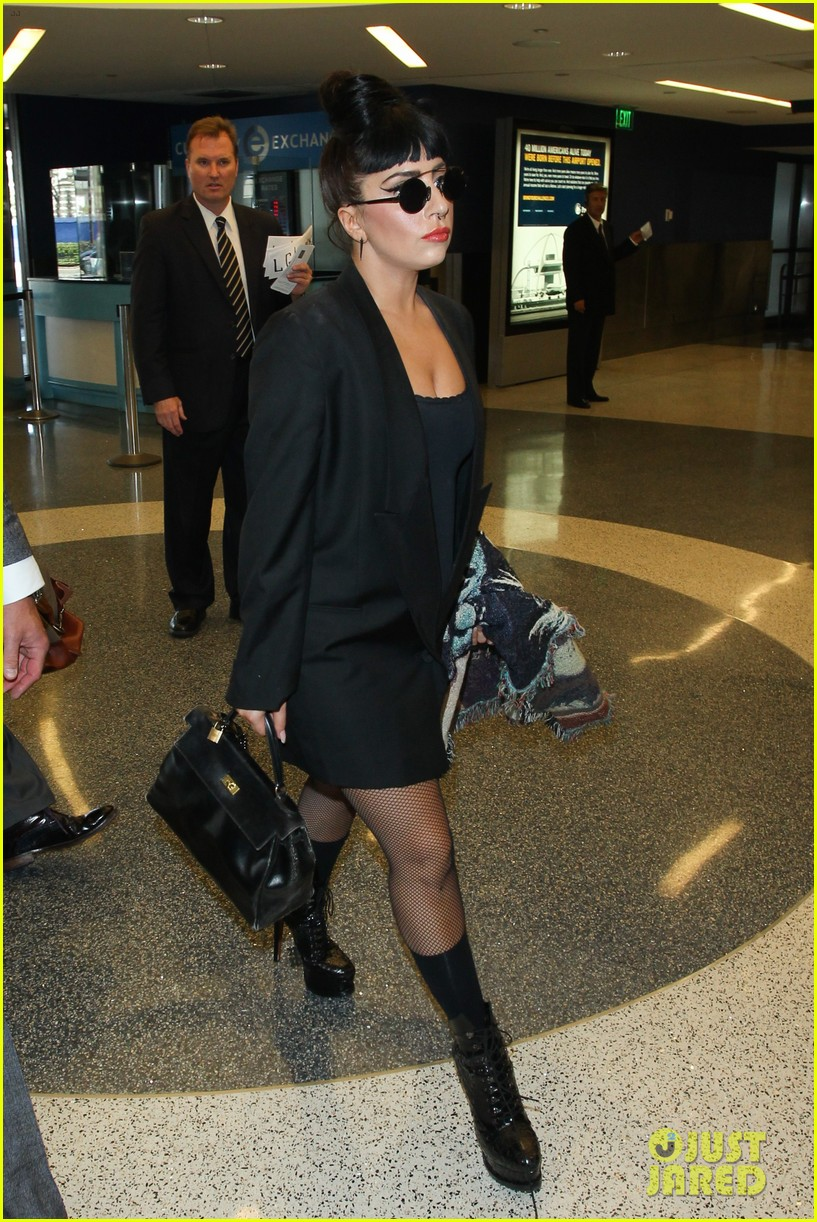 lady gaga reunites with pet pooch asia at lax airport 173187707