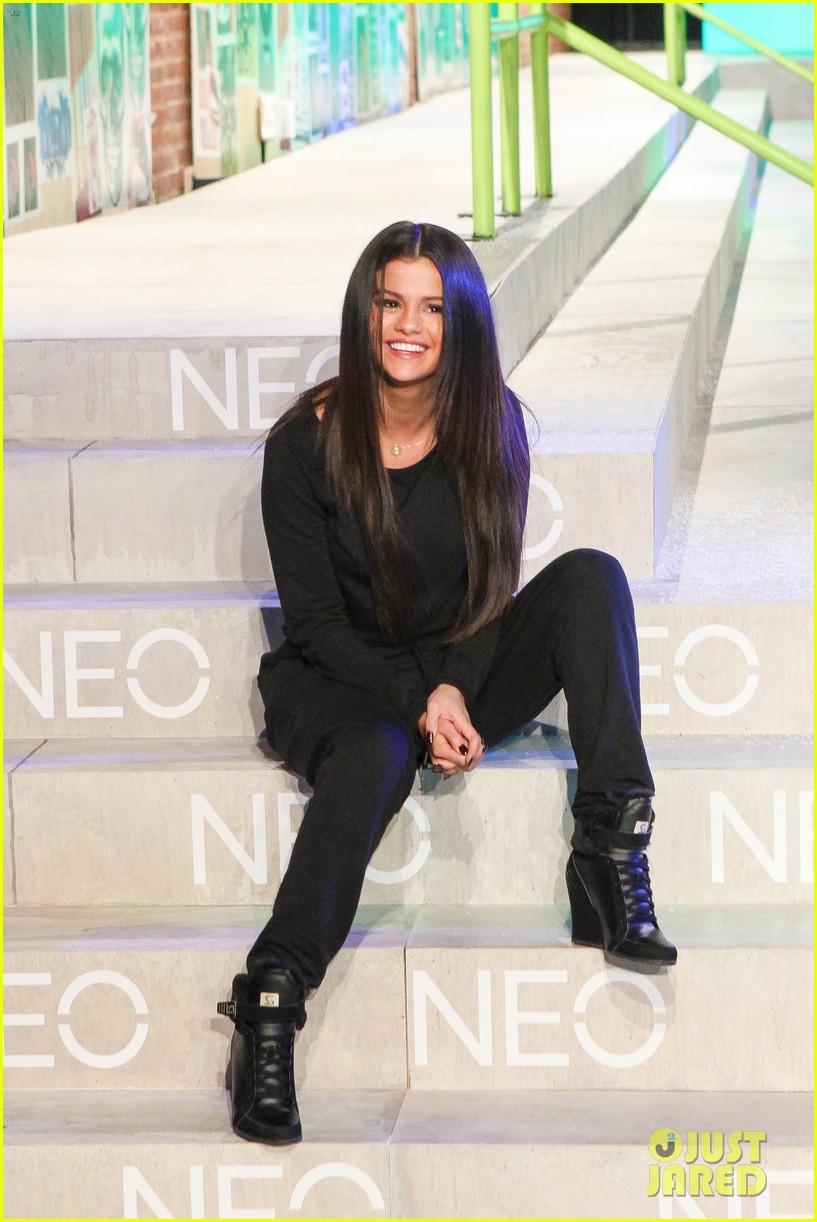 selena gomez adidas neo label show 05