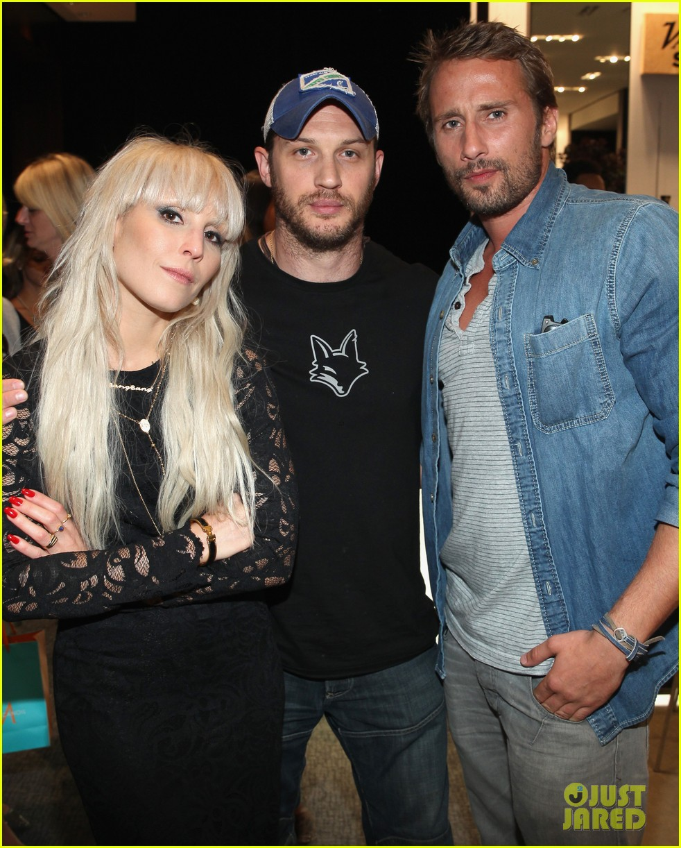 Photo of Noomi Rapace & her friend  Tom Hardy
