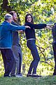 anne hathaway does tai chi with robert de niro again 03