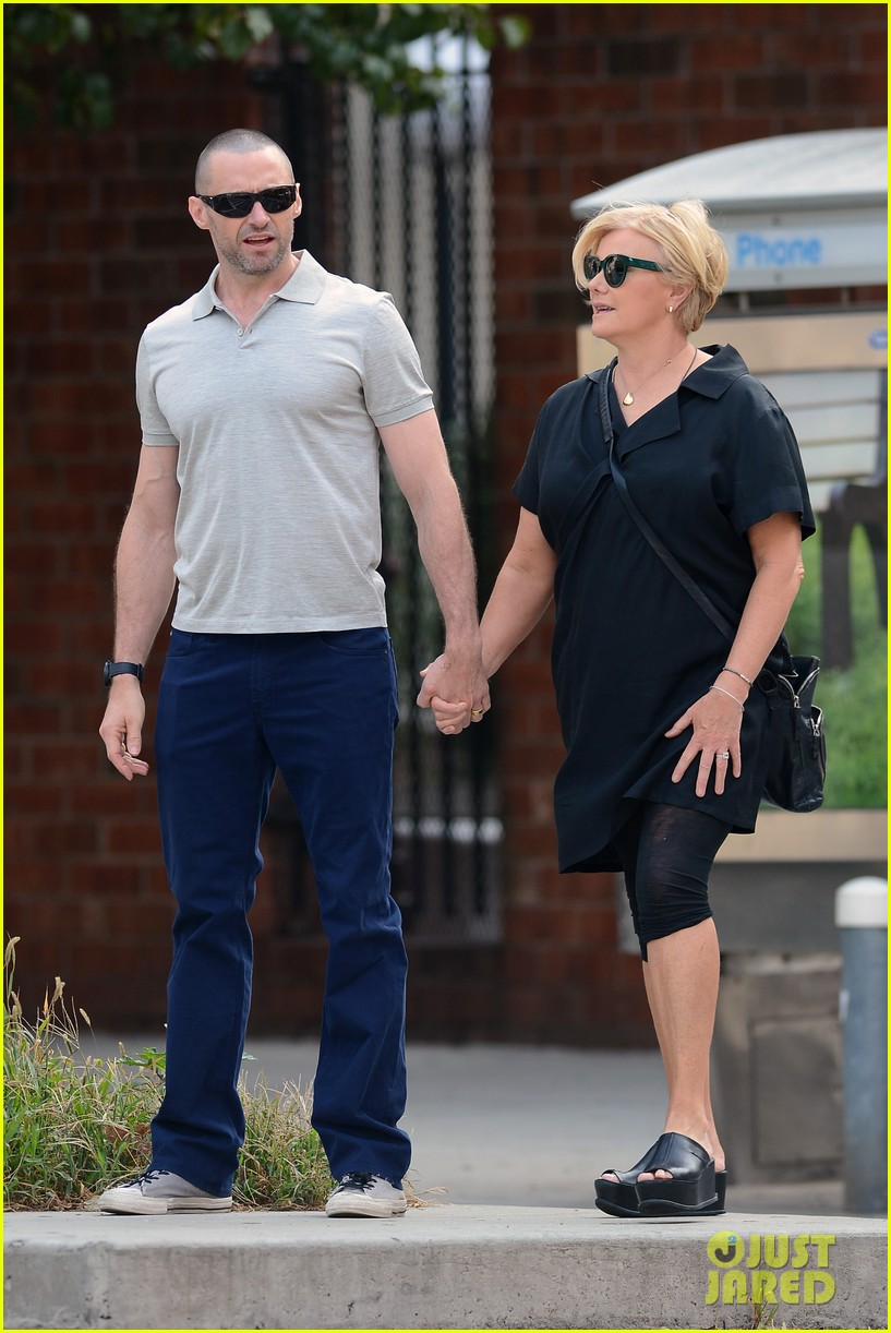 hugh jackman looks lovey dovey with wife after shaving his beard 01
