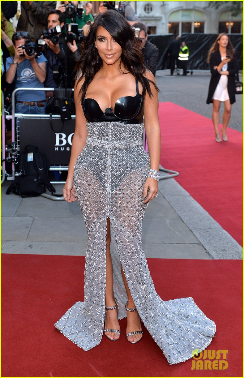 kim kardashian kanye west gq men of the year awards 07
