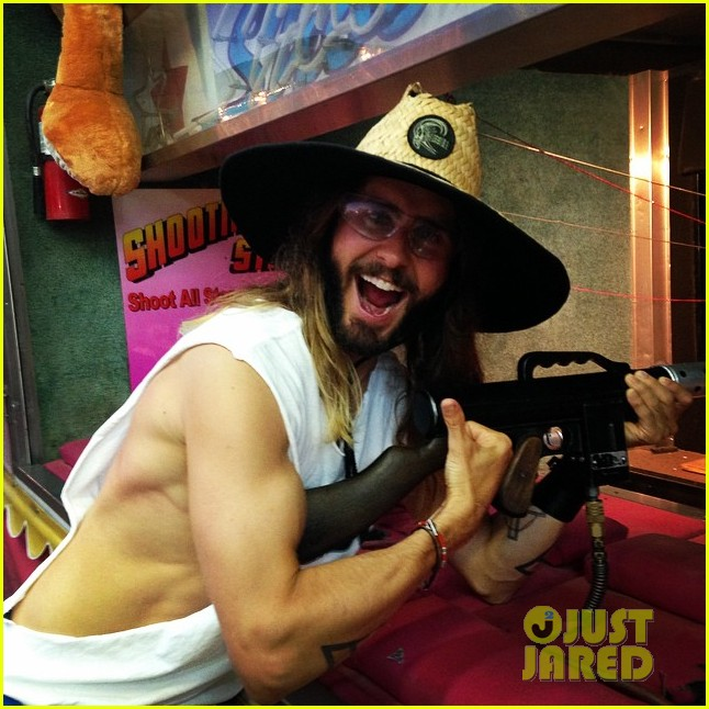 jared leto shows off his guns for target practice at malibu chili cook off 033187731