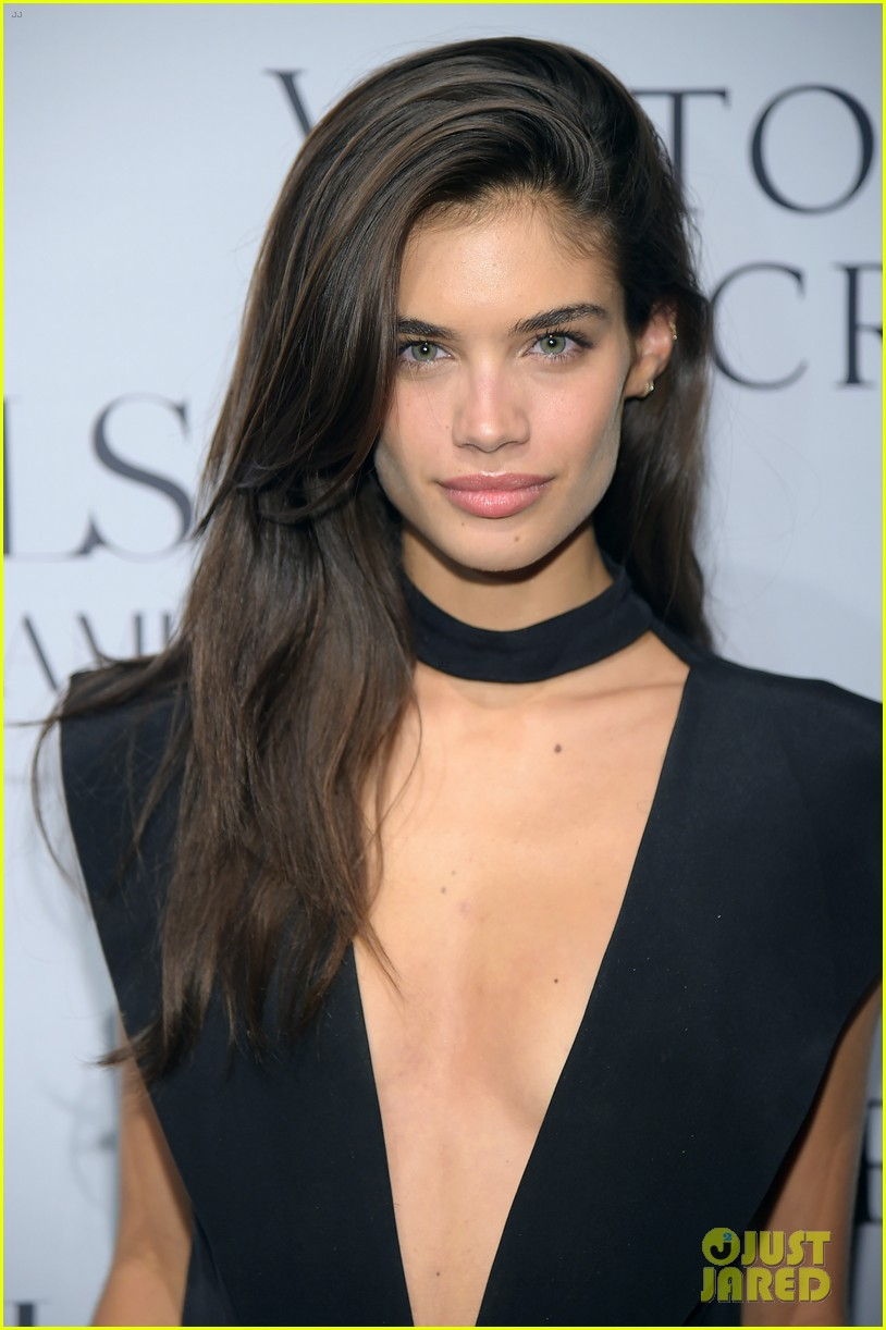 Adriana lima hairstyles 2014 - Adriana Lima Lily Aldridge Represent The Victoria S Secret Angels At Russell James Book Launch Photo 3194553 Adriana Lima Candice Swanepoel