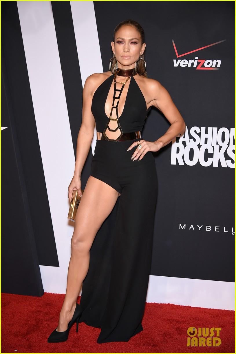 jennifer lopez in versace fashion rocks 2014