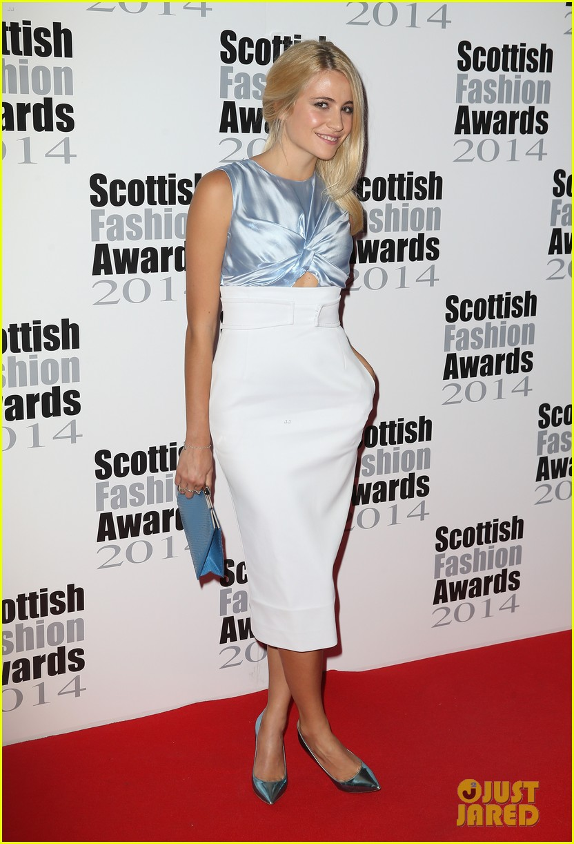 pixie lott oliver chesire scottish fashion awards 013187575