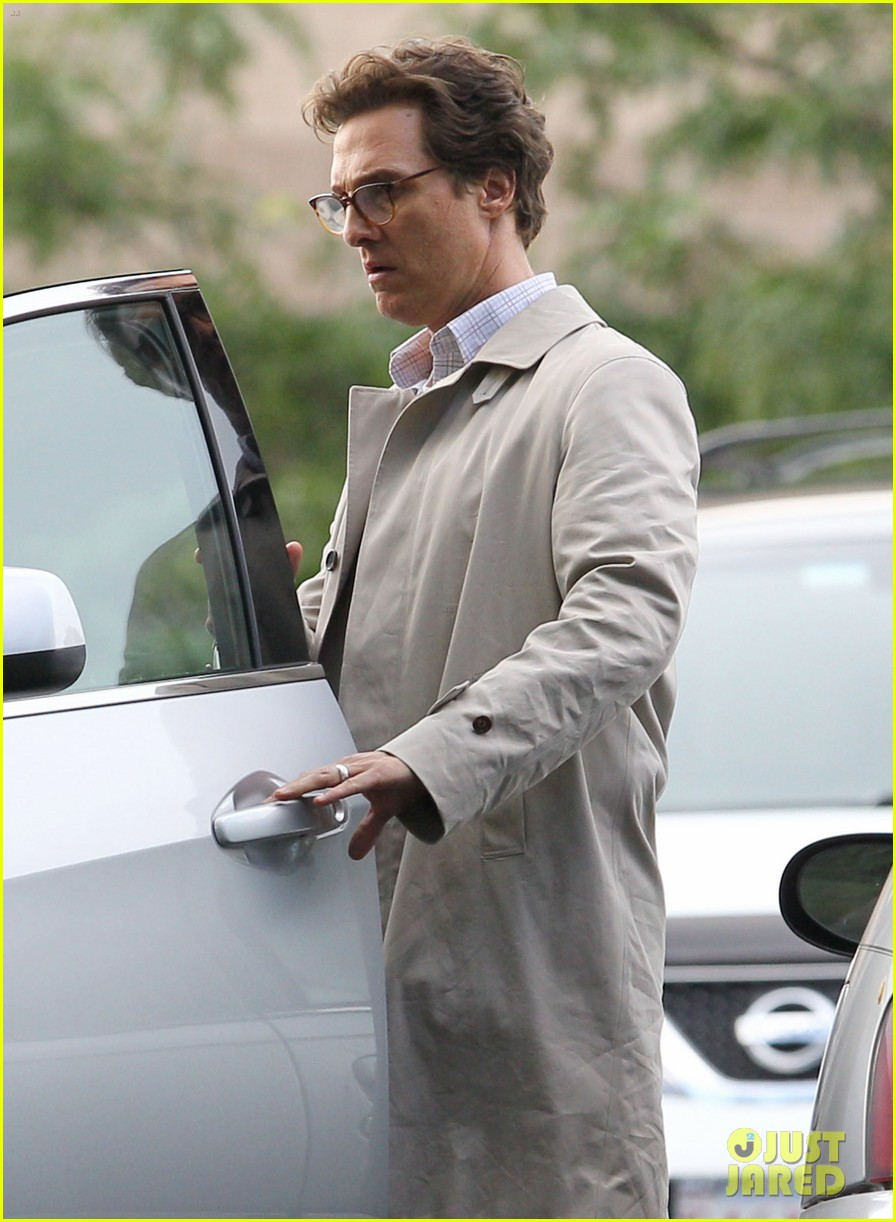 matthew mcconaughey goes for a glasses look for sea of trees 02