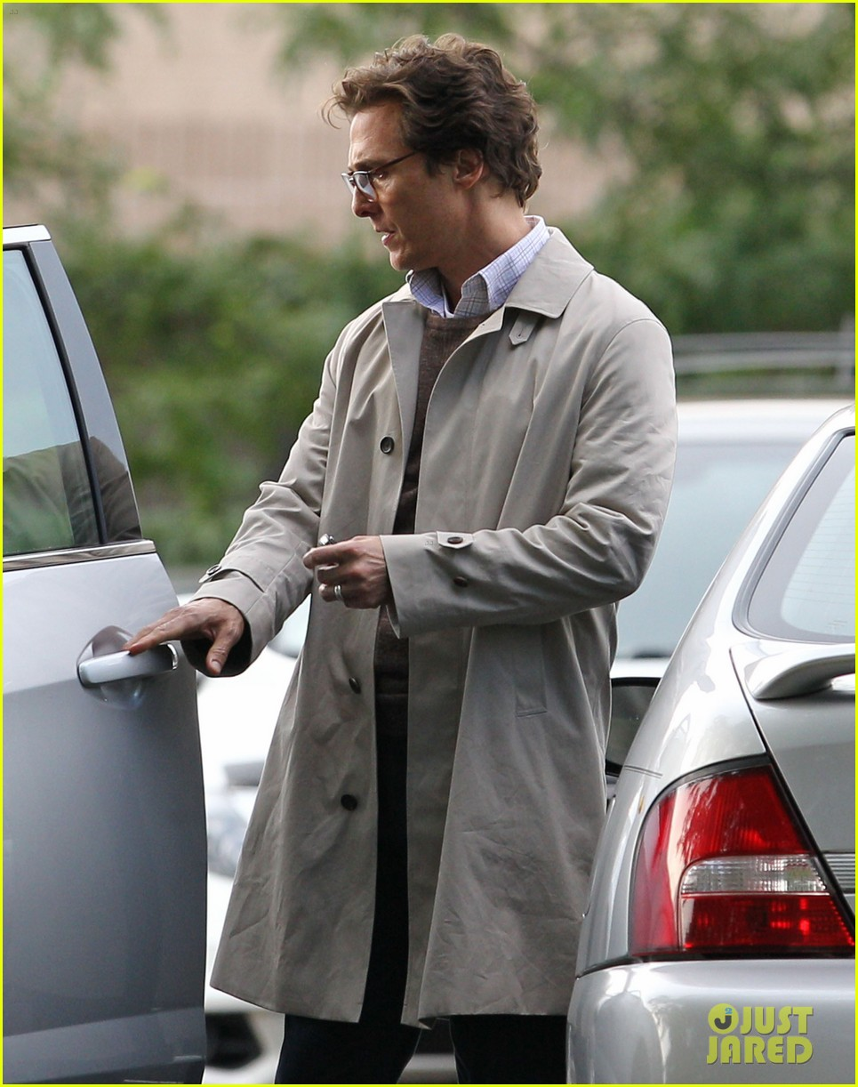 matthew mcconaughey goes for a glasses look for sea of trees 10