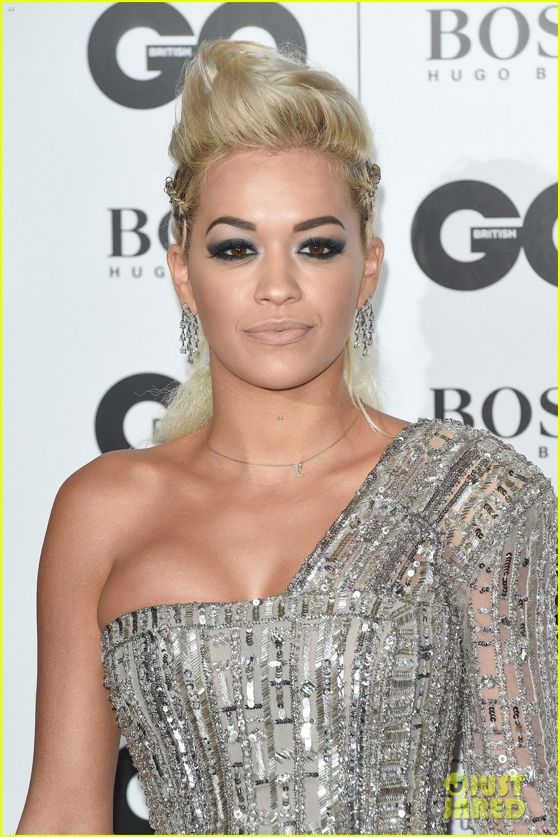 rita ora cara delevingne gq men of the year awards 043188009