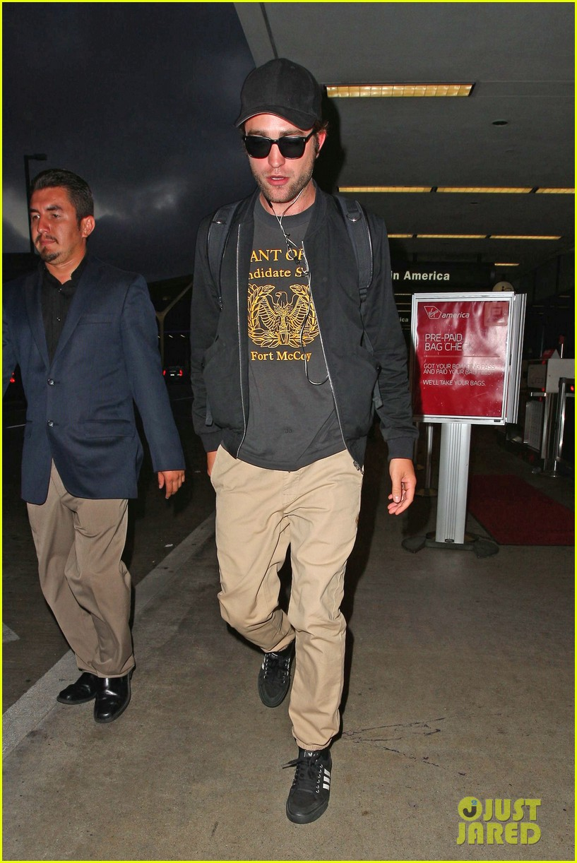 robert pattinson heads to la amid fka twigs dating rumors 033188913