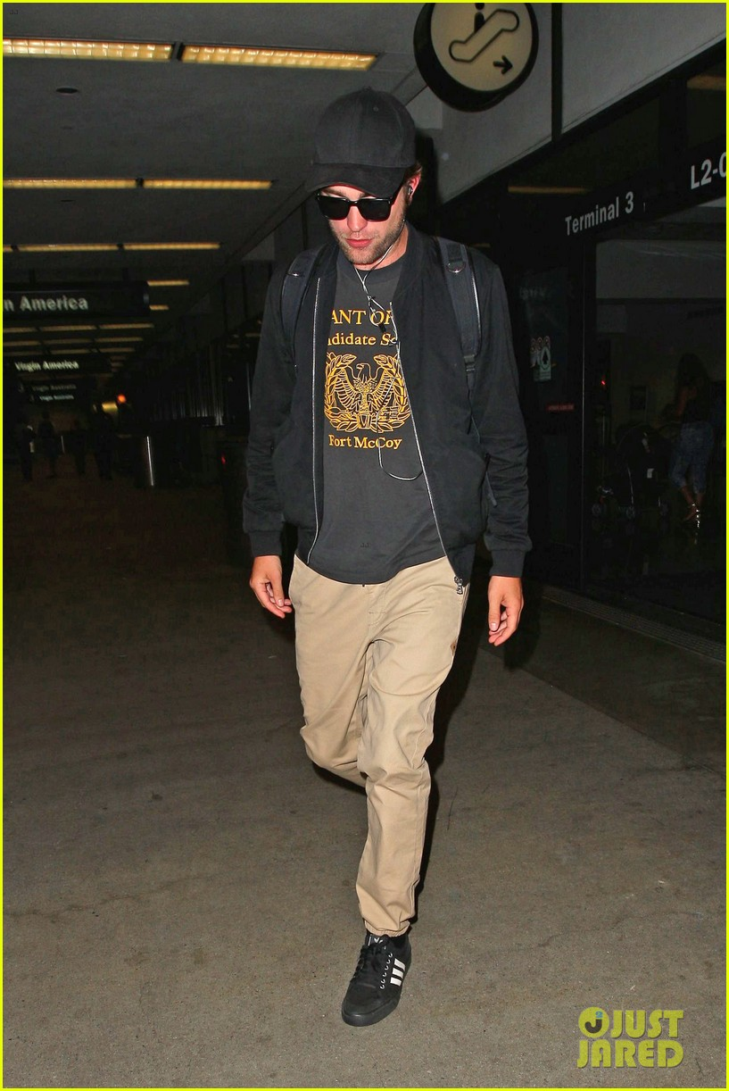 robert pattinson heads to la amid fka twigs dating rumors 083188918