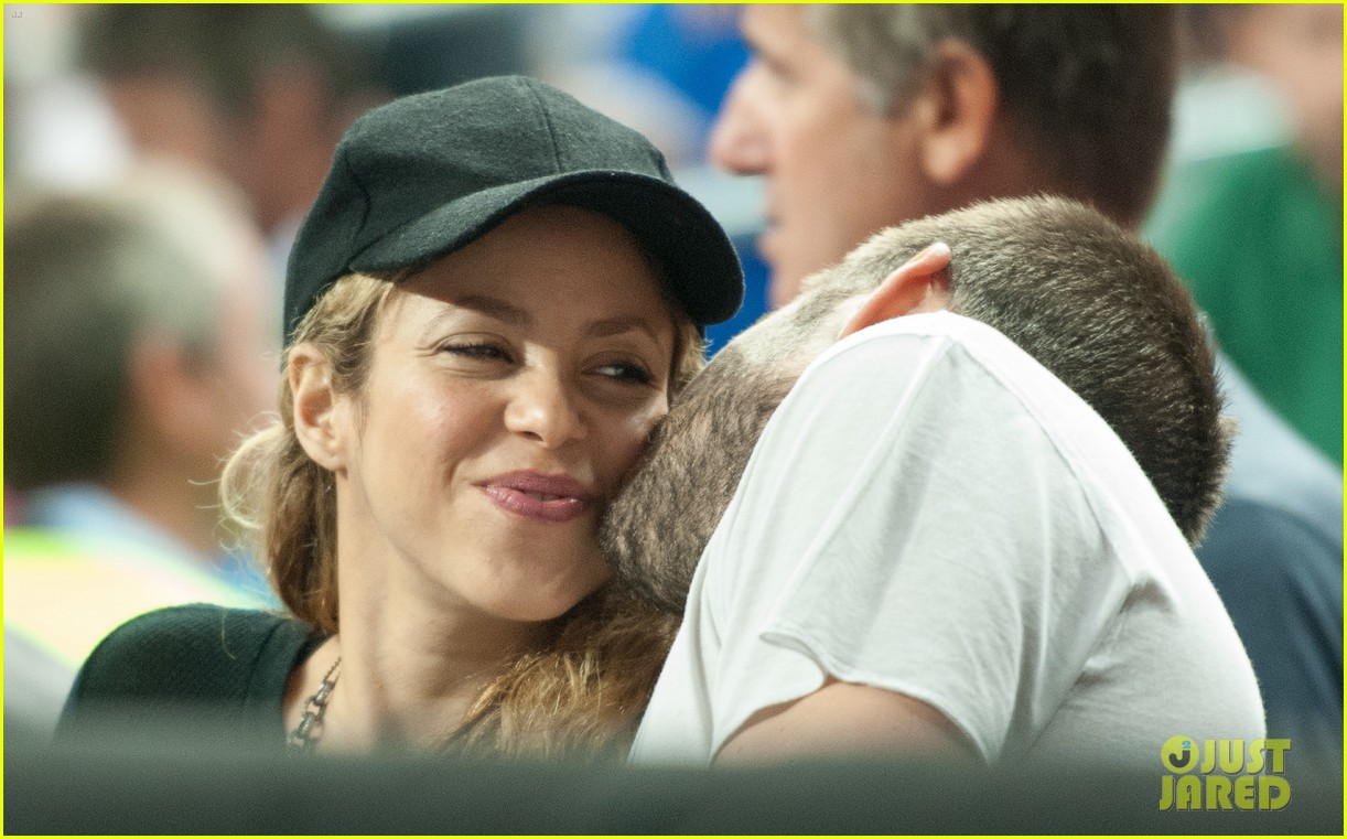 Shakira pregnant baby