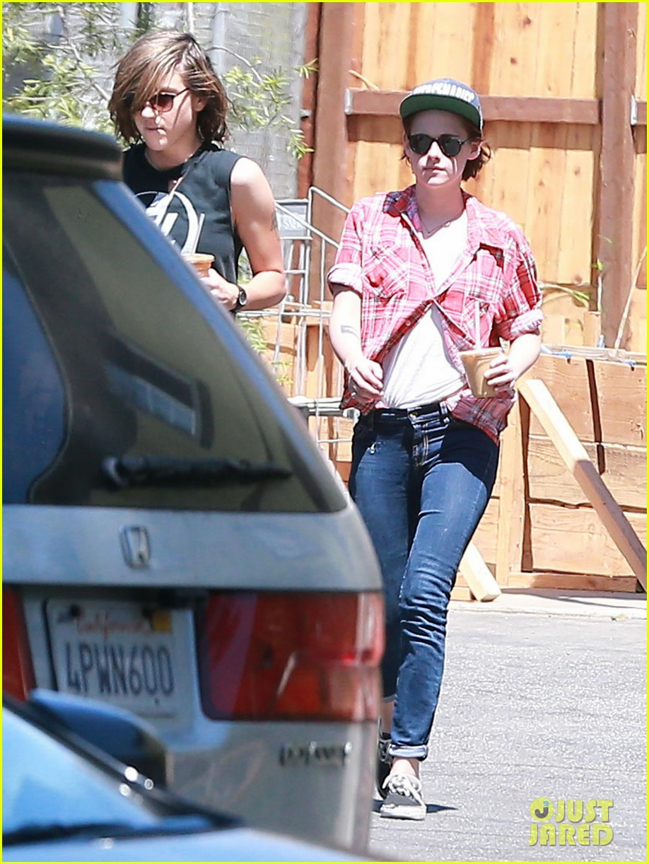 kristen stewart alicia cargile hang out amid dating rumors 083187424