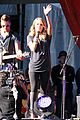 carrie underwood small baby bump for global citzen festival soundcheck 07