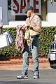 tom hardy shows off shirtless body on shopping trip 03