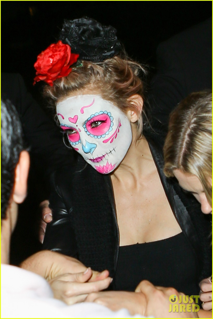 Kate Hudson & Ashley Benson Sport Mexican Death Masks at Halloween ...
